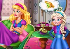 Elsa Enrolando Com Barbie